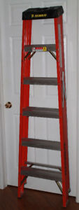 FEATHERLITE HEAVY DUTY FIBERGLASS STEP LADDER  6'