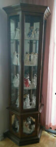 Curio cabinet, perfect condition
