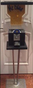 Gumball Machine 4' Tall With keys