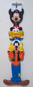 MICKEY-MOUSE-GOOFY-DONALD-DUCK-WALT-DISNEY-SOUVENIR-BACK-SCRATC