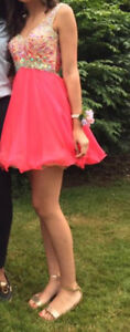 Gorgeous coral grad/prom dress in excellent condition
