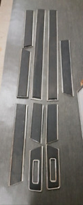 Dodge Ramcharger body side mouldings