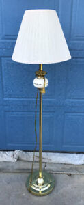3-WAY FLOOR LAMP