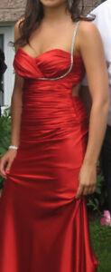 Robe de bal longue - rouge - négociable