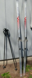 3 PAIRS OF SKIS AND POLES FOR 6' TALL PEOPLE