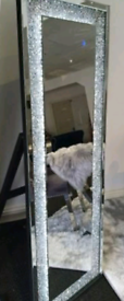 CRUSHED CRYSTAL FLOOR STANDING MIRROR