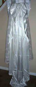 """Wedding Dress in Excellent Condition:Boxed:size 26"""" waist Cambridge Kitchener Area image 4"""