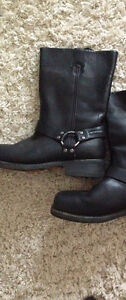 Steal - Size11 HD Boots, Simple Leather Design w nonslip bottom.