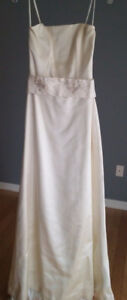 Silk ALine Wedding Dress,Retails $3,300.(used needs drycleaning)