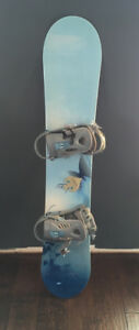 Women's 5150 Snowboard ONLY USED ONCE!