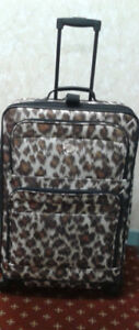 Mint, 4 wheel spinner expandable luggage suitcase 26""