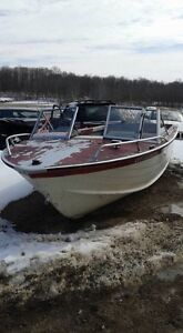 20 ft Starcraft Aluminum boat as is