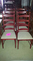 set of set chairs $250 2 are arm chairs