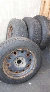 pneus d'hiver 17p 225 /65