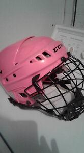 Girls hockey halmet
