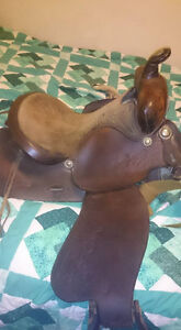 15 inch Simco western saddle