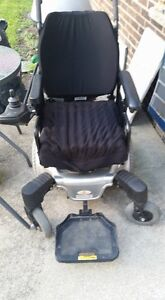 *****REDUCED PRICE*****MAPLE LEAF ELECTRIC WHEELCHAIR