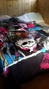 TWIN SIZE MONSTER HIGH BED SET