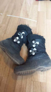 Girls size 13 snow boots
