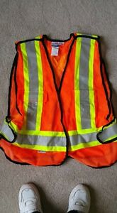 Quality Reflective Safety Vest--Size L/XL   ---  Yorkton, SK