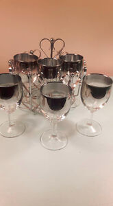 Retro bar set. 6 glasses with carrier