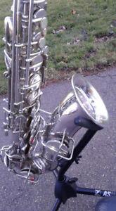 VINTAGE 1925 Martin Alto Saxophone