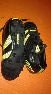 Brandnew soccer shoes size 11c (boy)
