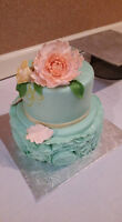 beautiful and affordable wedding cake and guest favors