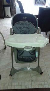Chaise haute à vendre