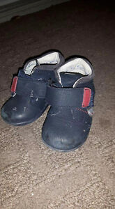 Walking shoes from Karens 4w