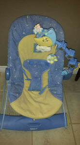Bouncy chair that vibrates and rocks