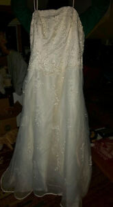 Plus Size (20-22) Wedding Dress