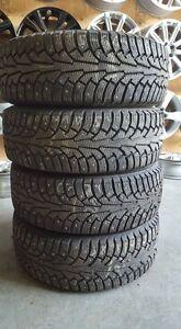 215/60/16 pneus hiver usagés Nokian Norman 5 CLOUTÉS