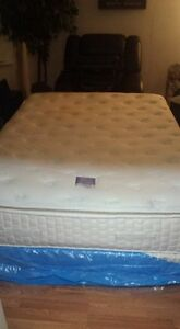 serta perfect night queen bed and matching boxspring