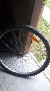 2 roues de vélo 26 x 1.75 et 26 x 1.95