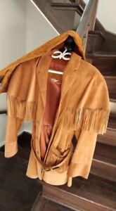 Manteau et pantalon suede prix négociable