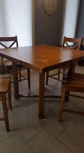 Solid wood kitchen table & chairs Cornwall Ontario image 1