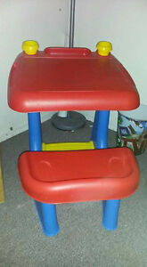 Children's Desk. Great used condition.