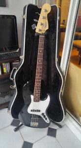 Fender Jazz Bass w/ case