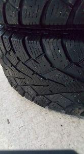 2 pneu d'hiver CHmobile zambony Lac-Saint-Jean Saguenay-Lac-Saint-Jean image 1