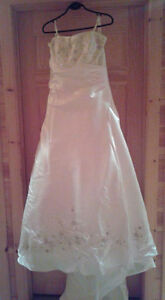 Beautiful Wedding Gown - Size 18