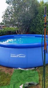 piscine gonflable 18 pieds avec gros filtreur et pompe