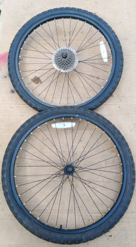 Pair of 24 inch wheels mint tyers | in Mansfield, Nottinghamshire | Gumtree