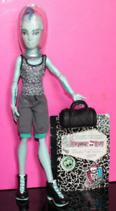 Monster High Boys 15$ chaque ou 3 pour 40$