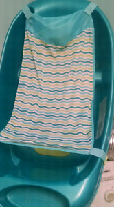 Baby bath with detachable infant sling, only used a month