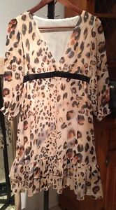 Low cut Leopard dress size 4/6