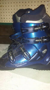 Size 9 Rossignol Womens Ski Boot