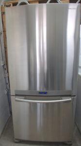 Samsung Réfrigérateur de comptoir à congélateur au bas de 20 pi3