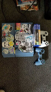 PS4, 2 Controllers, 6 games