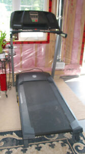 """Sale """" Gold's Gym Trainer 410 Treadmill"""""""